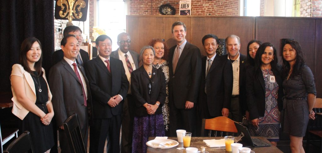 Wuxi Sister Cities delegation with Chattanooga Mayor Andy Berke and Chattanooga Sister Cities Board Members