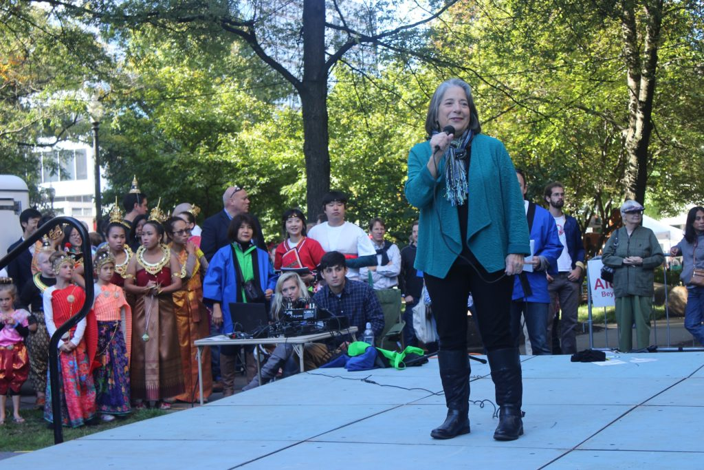 Mayor Rogero - Knoxville Asian Festival 2015